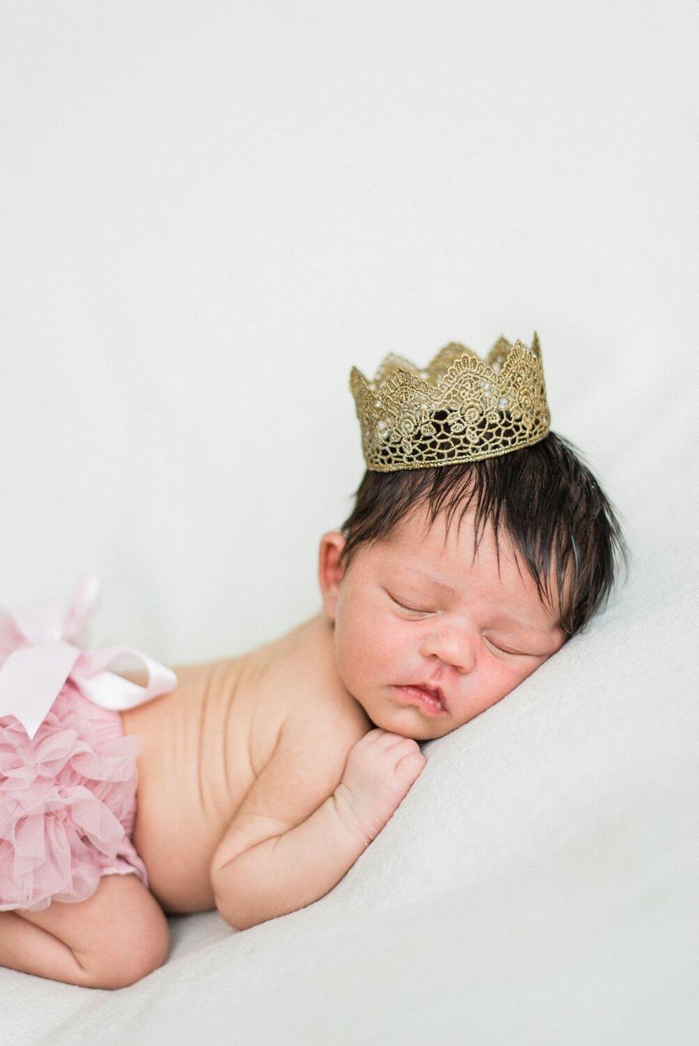 portland-oregon-newborn-photographer-sleeping-baby-girl-in-crown-shelley-marie-photography-2.jpg