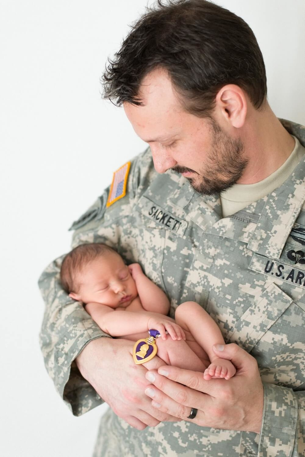 best-portland-oregon-newborn-photographer-veteran-military-dad-purple-heart-and-baby-shelley-marie-photo-3.jpg