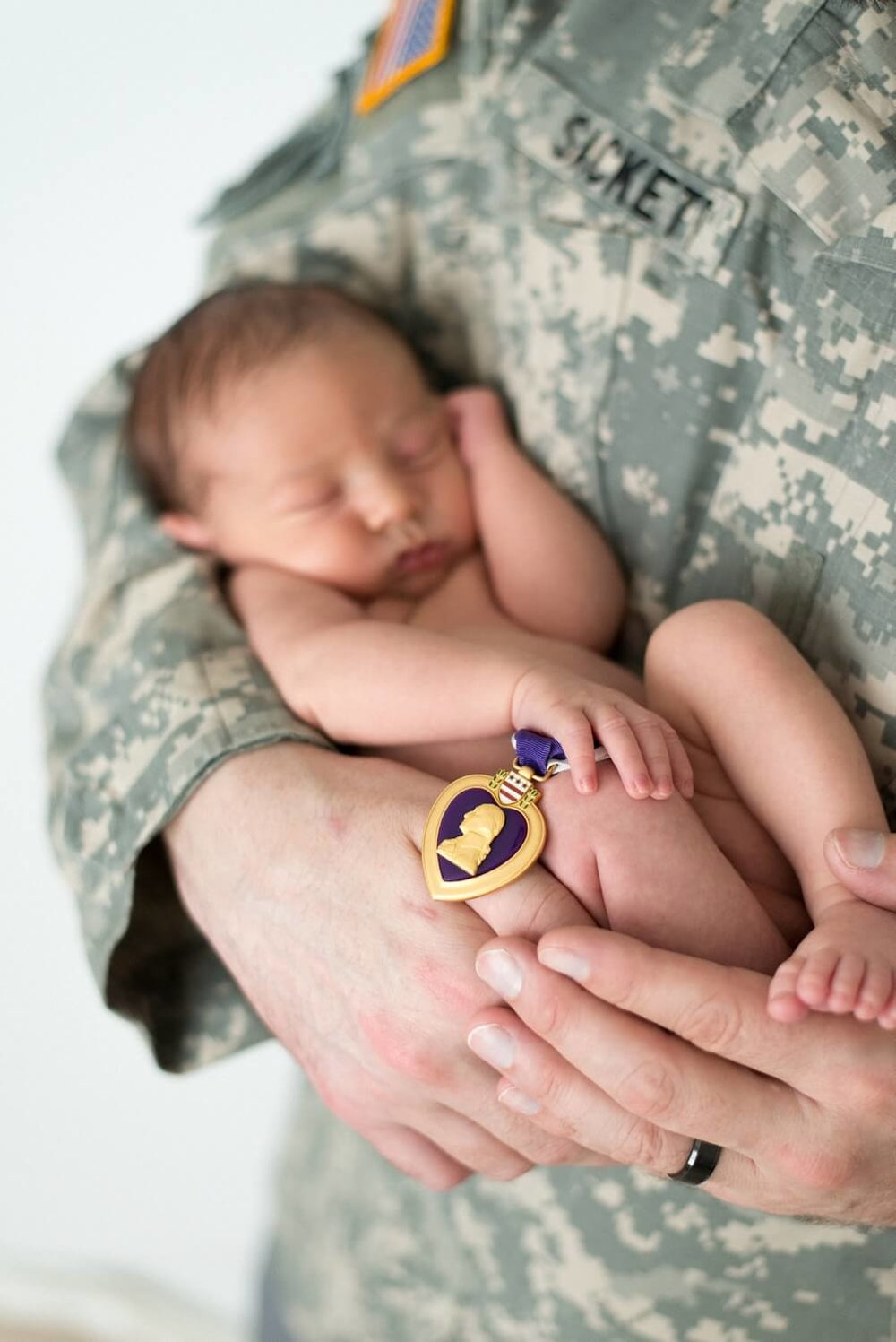 best-portland-oregon-newborn-photographer-veteran-military-dad-purple-heart-and-baby-shelley-marie-photo-2.jpg