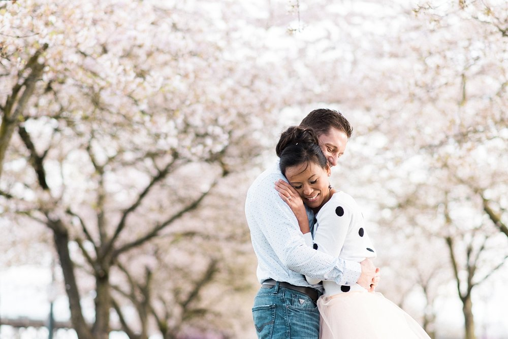 portland-waterfront-engagement-cherry-blossom-cathedral-park-sokhorn-jay-153_cr.jpg