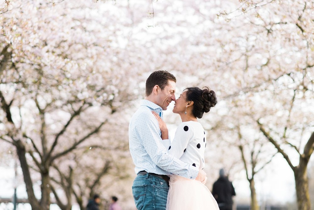 portland-waterfront-engagement-cherry-blossom-cathedral-park-sokhorn-jay-158_cr.jpg