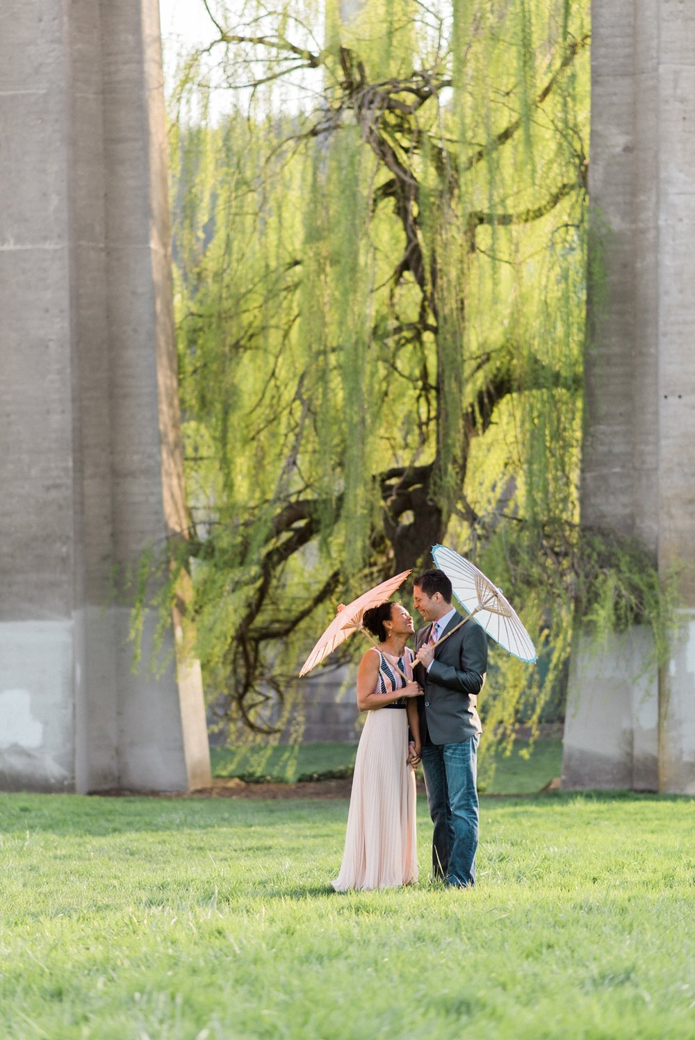 portland-waterfront-engagement-cherry-blossom-cathedral-park-sokhorn-jay-254_cr.jpg