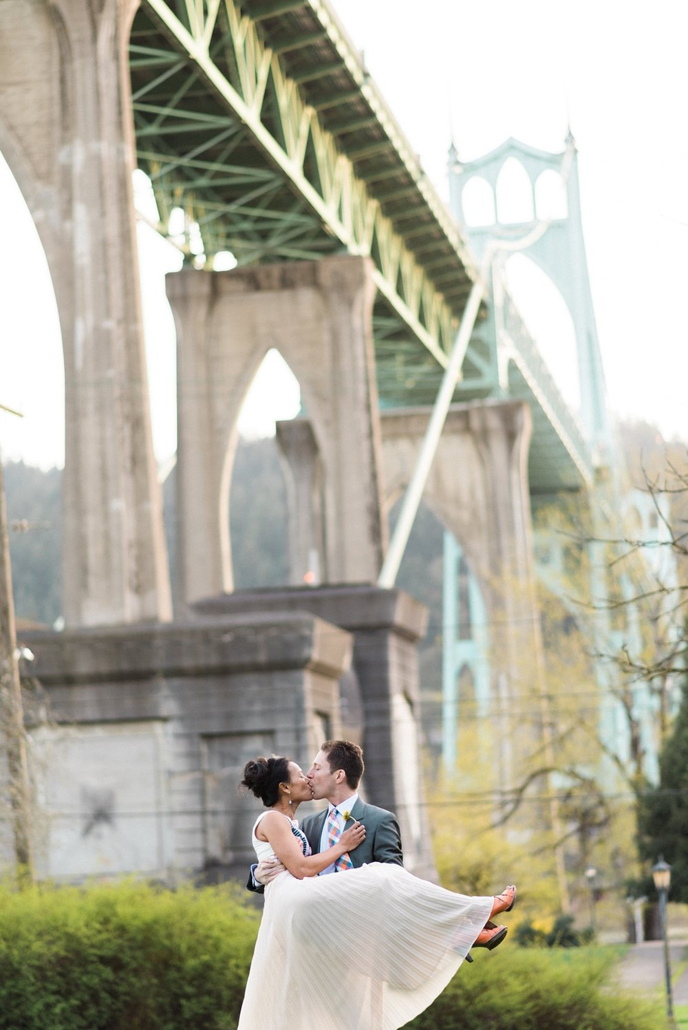 portland-waterfront-engagement-cherry-blossom-cathedral-park-sokhorn-jay-311_cr.jpg