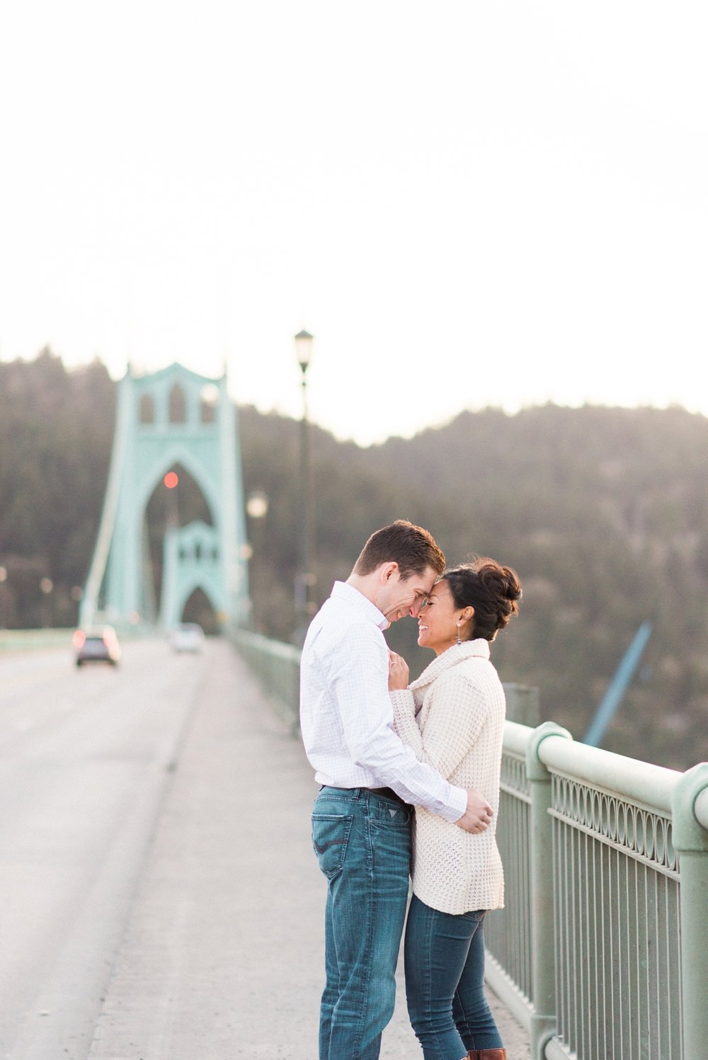 portland-waterfront-engagement-cherry-blossom-cathedral-park-sokhorn-jay-331_cr.jpg