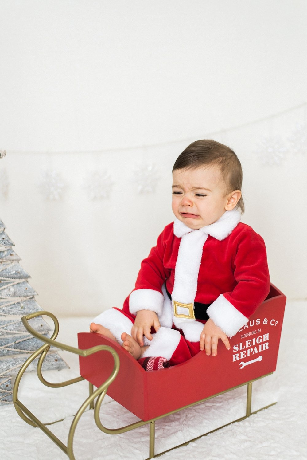portland-newborn-christmas-santa-holiday-photos-1-year-baby-portrait-session-033_cr.jpg