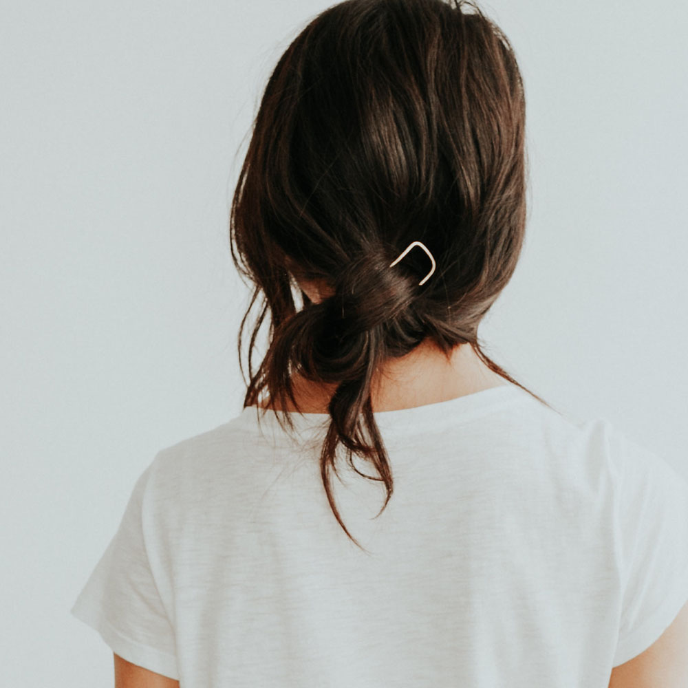 Side Knot with the Tuck Hair Pin Tutorial -