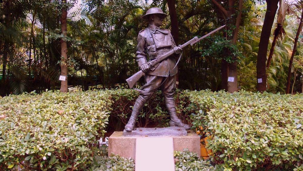 A 1st World War statue honouring a 2nd World War soldier