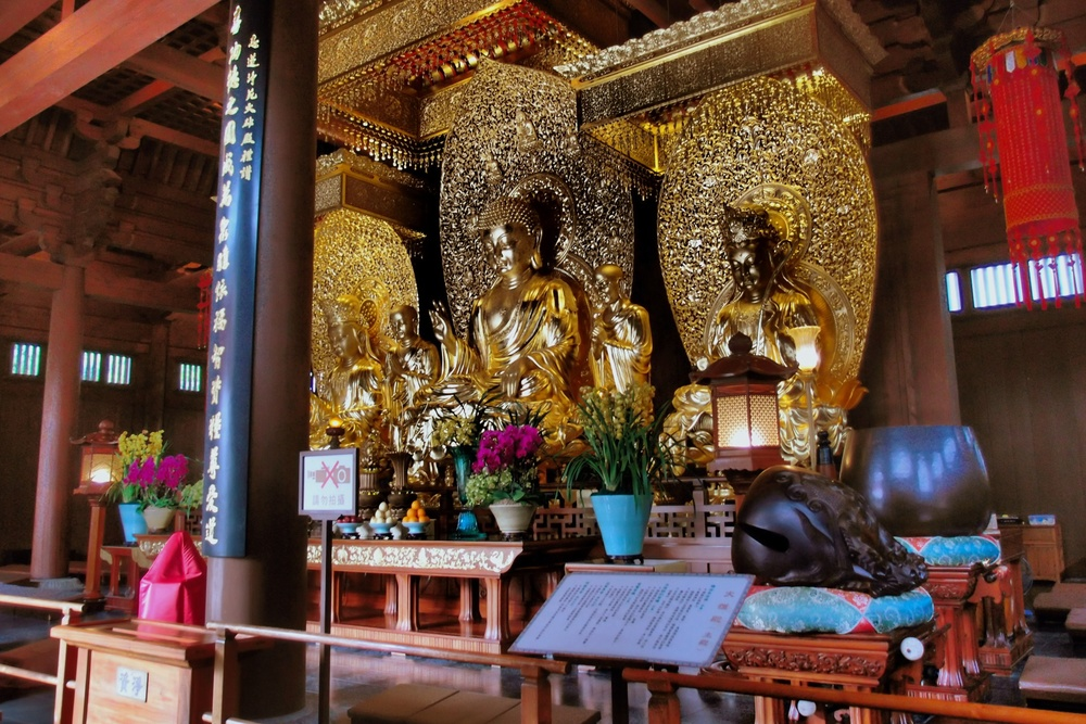 Very impressive and very expensive gold leaf statues in the Main Hall
