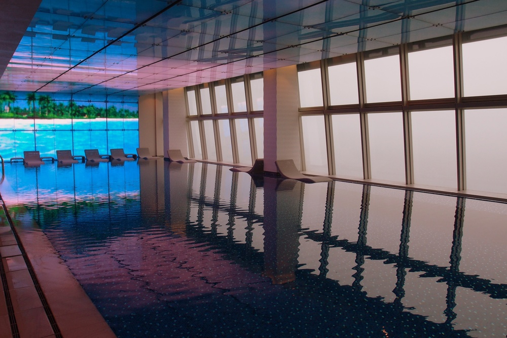Isn't this pool simply amazing! ..and yes it is on the 118th floor