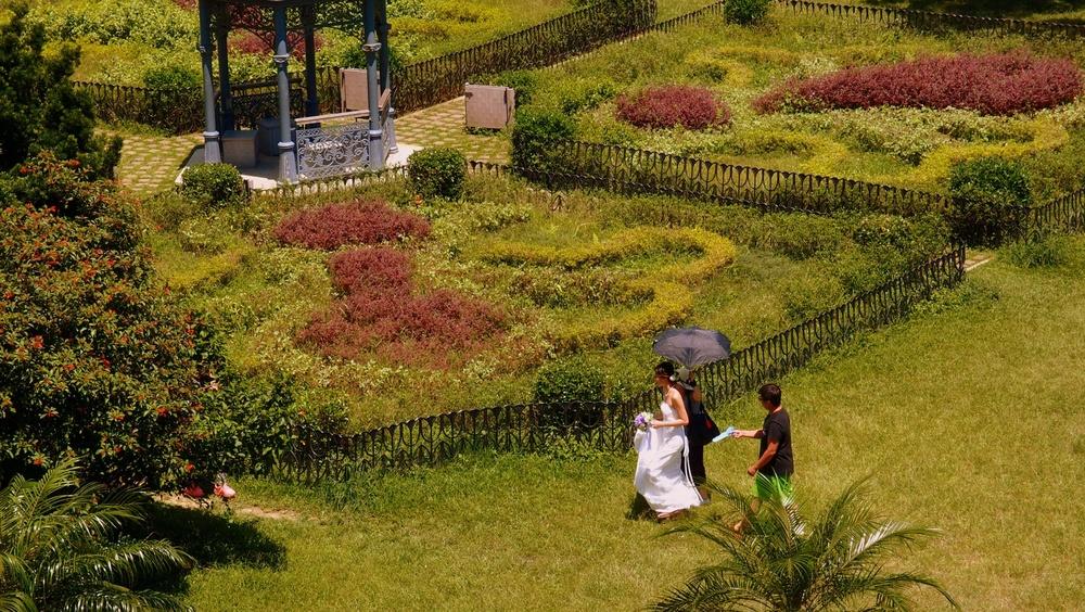 An exotic romantic setting