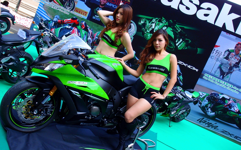 Sex sells Motorbikes..........