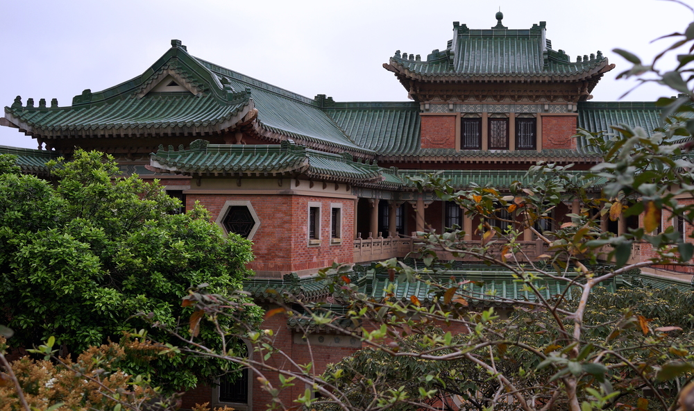 The rather impressive King Yin Lei Mansion on Stubbs Road - it's about time time they opened this up full time to the public.