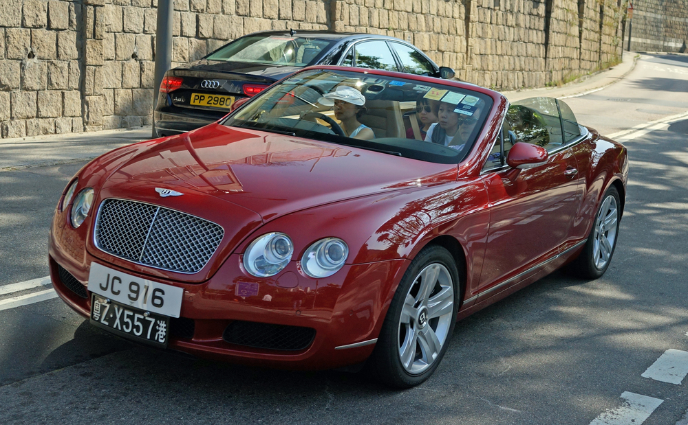 Bentley's seem to evoke strong emotions in car lovers, you either love them or hate them! Not as famous as Rolls Royce and even I admit some of their models are a little plain but by golly some of them are simply gorgeous like the one in the image...