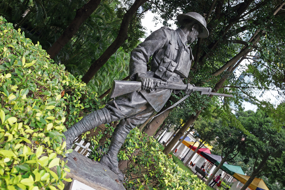 A World War 1 statue for a 2nd World War soldier - how very odd?