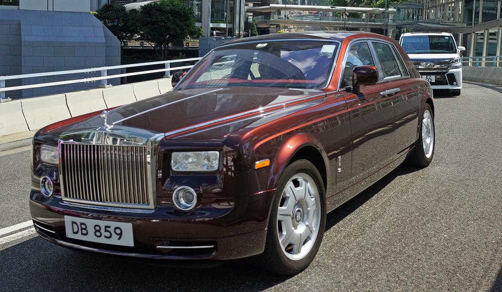 Rolls Royce - DB 859.JPG