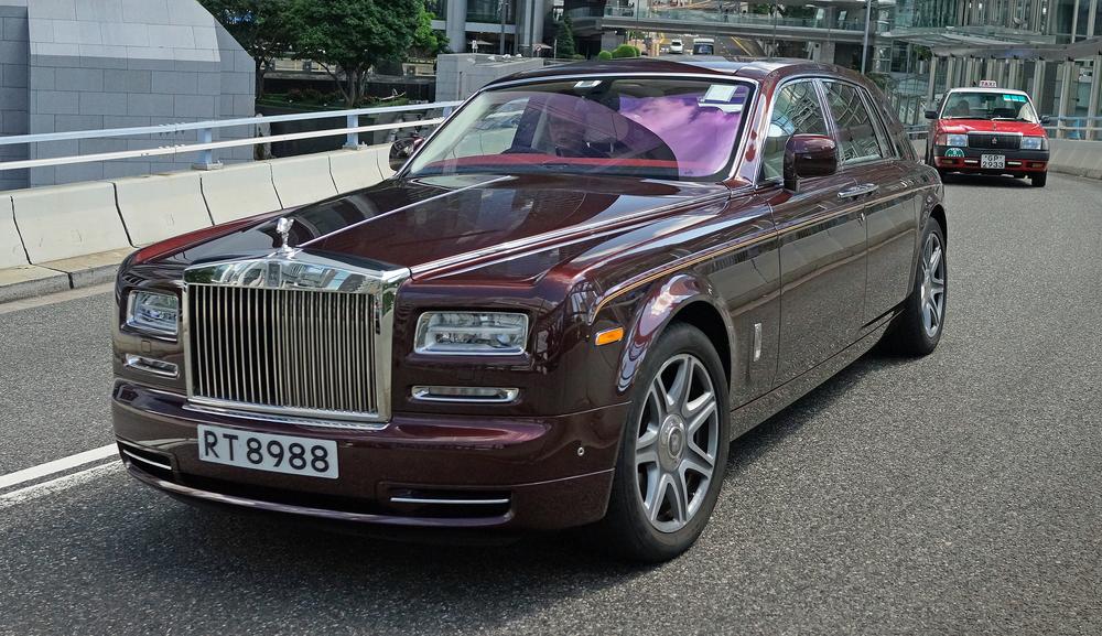 Rolls Royce - RT 8988.JPG