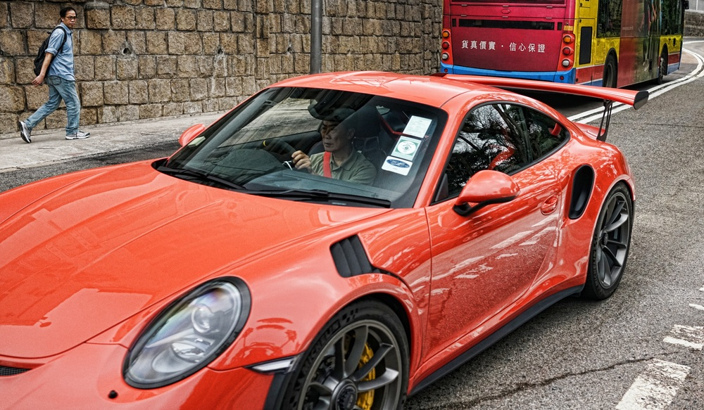 I just love that guys here will drop a huge amount of money on such glorious cars like this Porsche, brilliant!