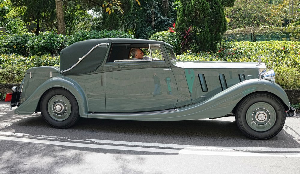 The driver of this majestic 1936 Rolls Royce Phantom III is non other than Michael Kadoorie Chairman of HKSH (The Peninsula Hotel Group) - what a lovely car -  go here for all of my classic cars in Hong Kong images