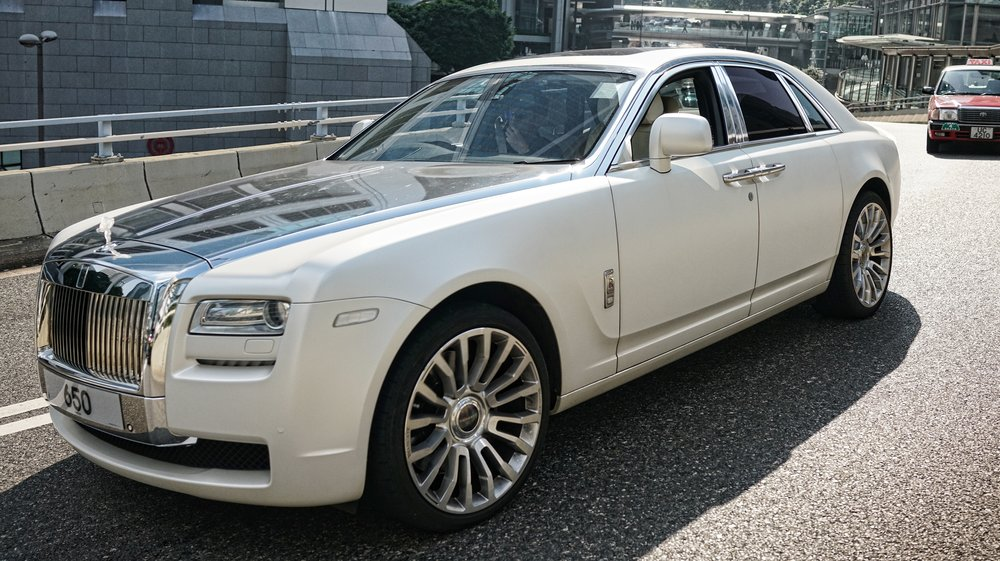 I would be very happy to slum it in this gorgeous Rolls Royce Ghost, love the chrome bonnet! -