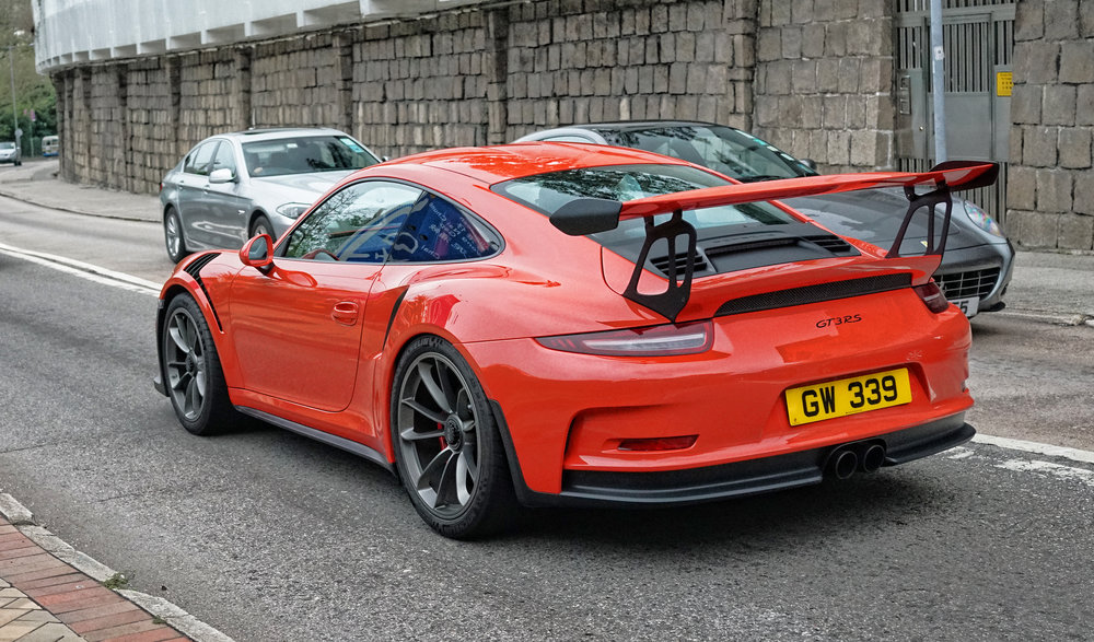 Sweet!! the amazing Porsche GT3 RS... what a car and a genuine two seater as well.