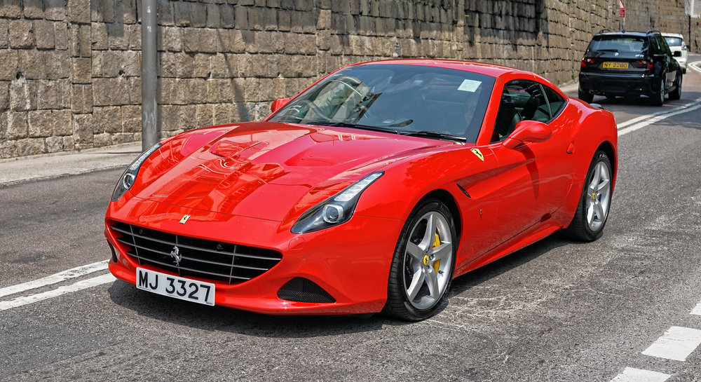 Now this is what I call a classic Ferrari... AWESOME!! love the colour and the sound it made was simply amazing, it was actually travelling very fast when it whizzed by...   Go here for all of the images of Ferrari cars that I have taken in Hong Kong