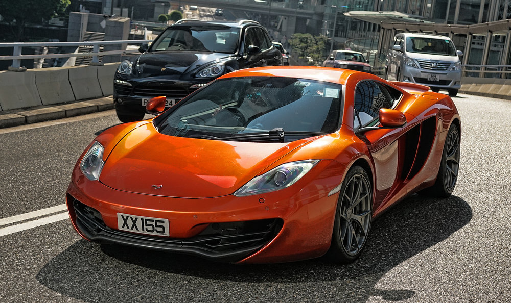 Almost as amazing as the Pagani, this is a McLaren and this is my favourite McLaren in Hong Kong, love the colour and the drivers always toots and waves when he sees me.....