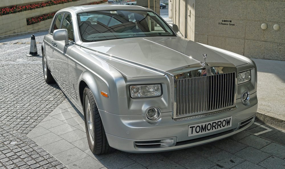 Rolls Royce Phantom - TOMORROW