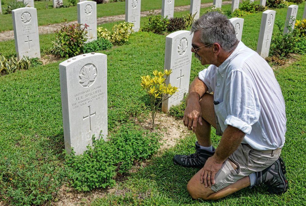 Tim, Grandfathers grave, Sai Wan War Cemetery, Hong Kong.JPG