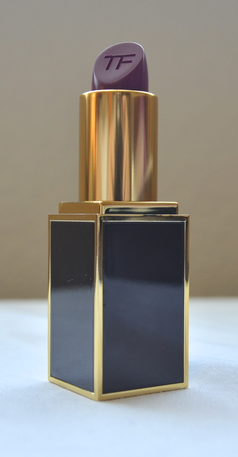 tom ford lipstick violet fatale review