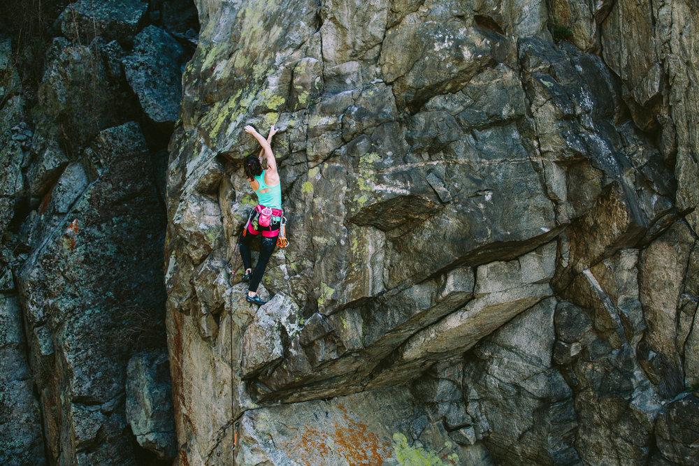 08robb-thompson-skaha-climbing-sarah-leanne-hart-.jpg