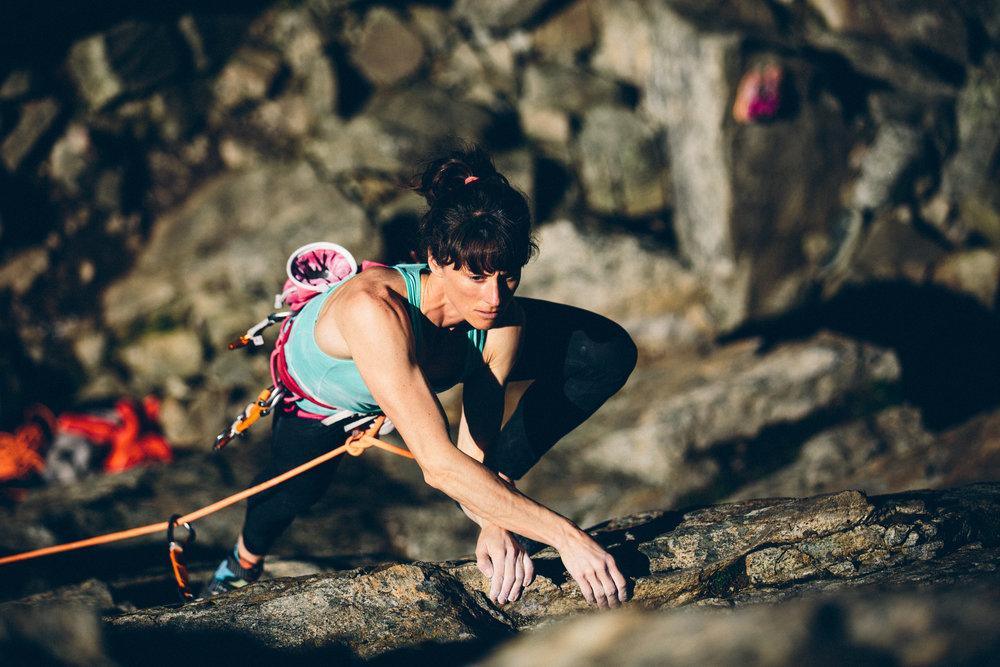 10robb-thompson-skaha-climbing-sarah-leanne-hart-.jpg