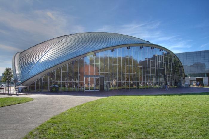 Eero Saarinen's Kresge Auditorium, Massachusetts Institute of Technology - Photo Courtesy of Wikipedia