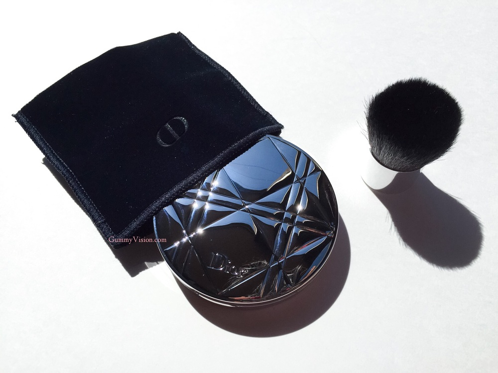 Dior Diorskin Nude Air Healthy Glow Invisible Powder In 020 Light Beige - gummyvision.com
