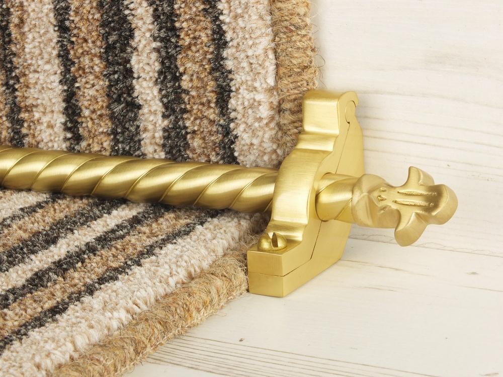 stairrods-satin-brass-bordeaux-spiral4.jpg