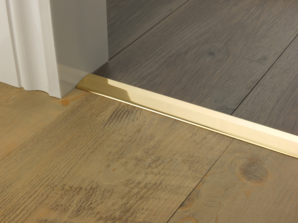 door_bar_brass_two_way_ramp_3mm_lvt_lvt.jpg