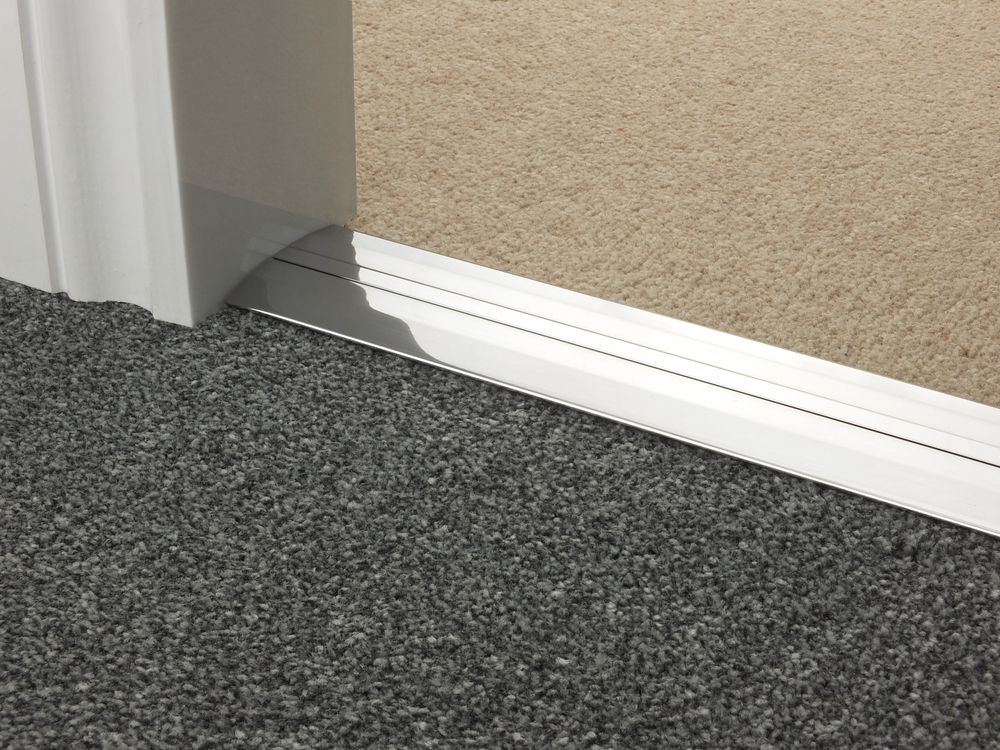 door_bar_brushed_chrome_posh55_carpet_carpet.jpg