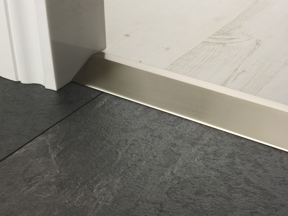 door_bar_ramp16_satin_nickel.jpg