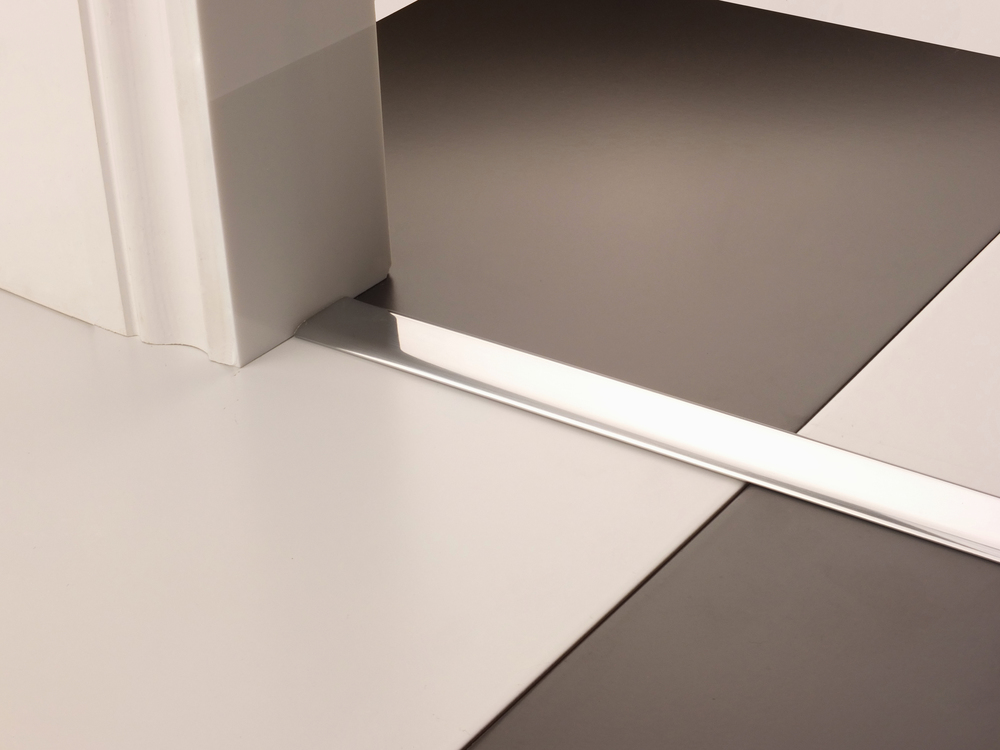 stairrods-doorbar-brushed-chrome-eurocover_edited-1.jpg