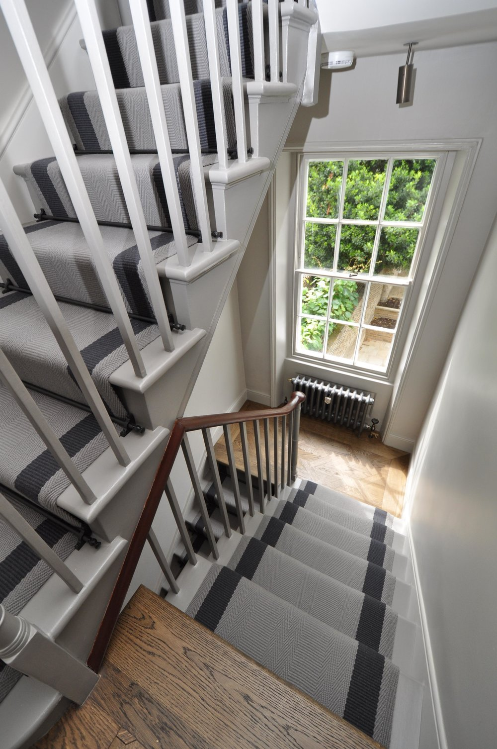 flatweave-stair-runner-london-bowloom-off-the-loom-geometric-carpet-DSC_1126.jpg