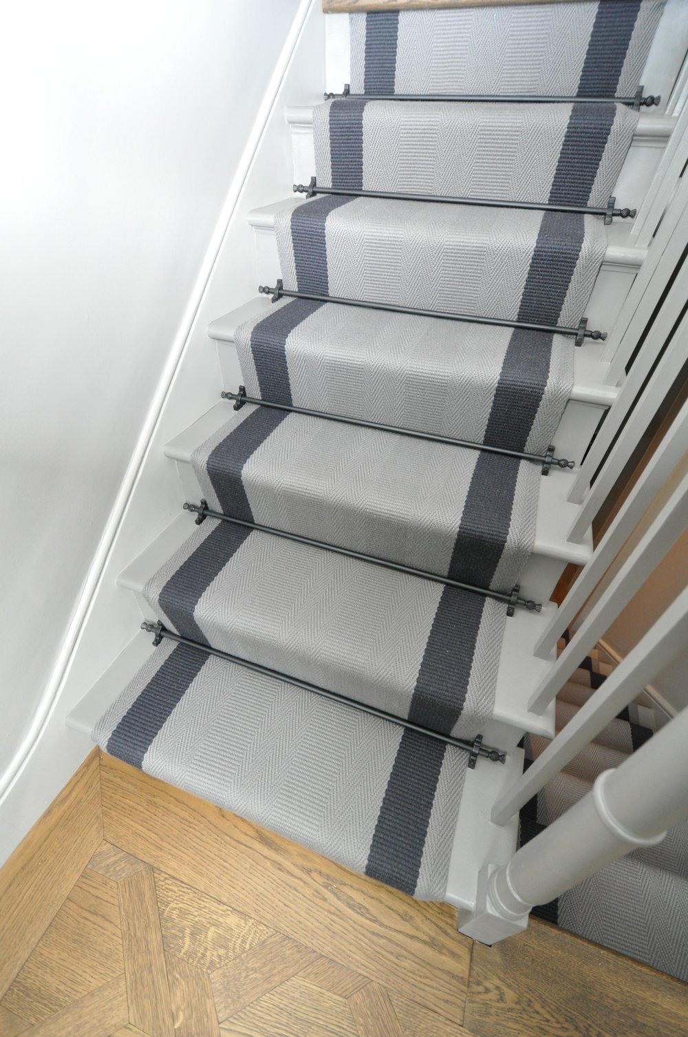 flatweave-stair-runner-london-bowloom-off-the-loom-geometric-carpet-DSC_1129.jpg