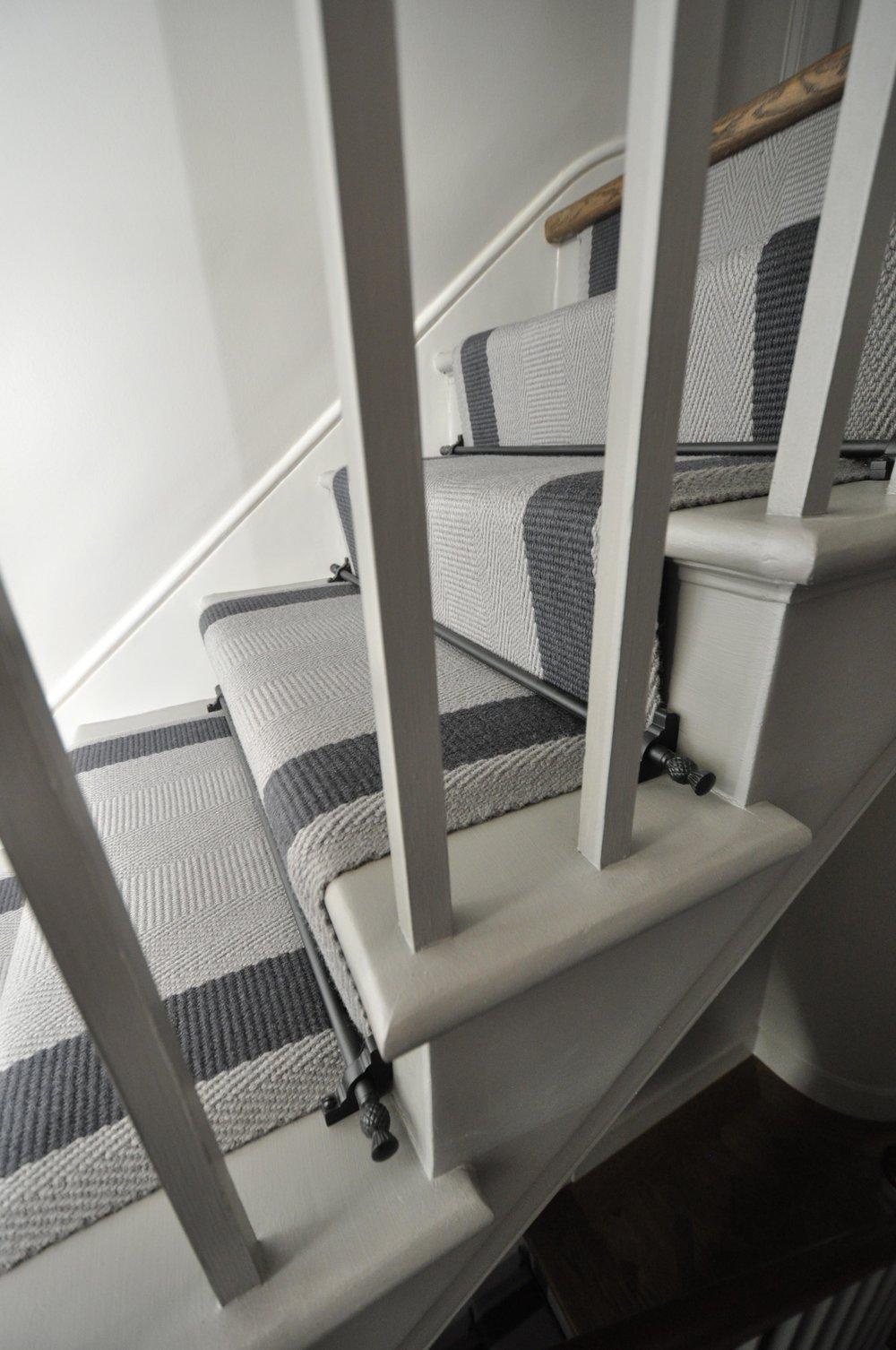 flatweave-stair-runner-london-bowloom-off-the-loom-geometric-carpet-DSC_1136.jpg