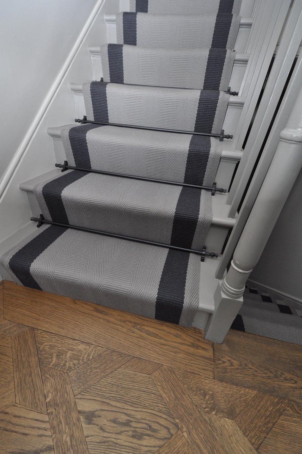 flatweave-stair-runner-london-bowloom-off-the-loom-geometric-carpet-DSC_1131.jpg