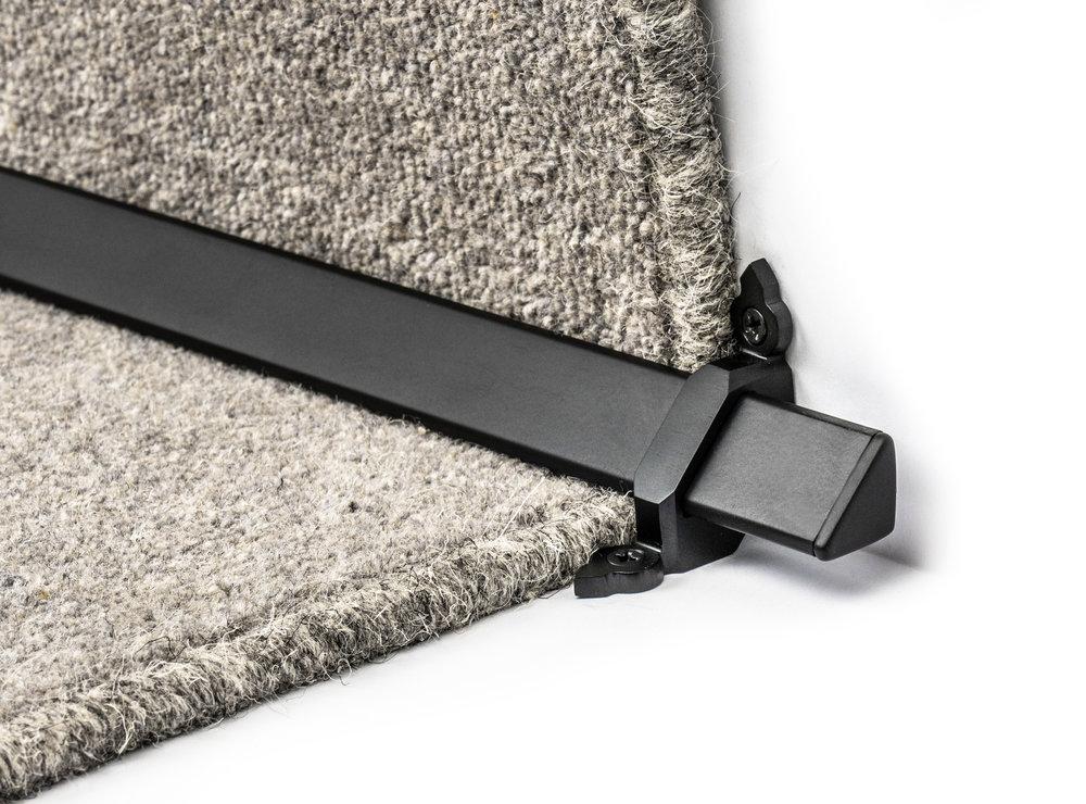stairrods-black-royale-vue 1.jpg