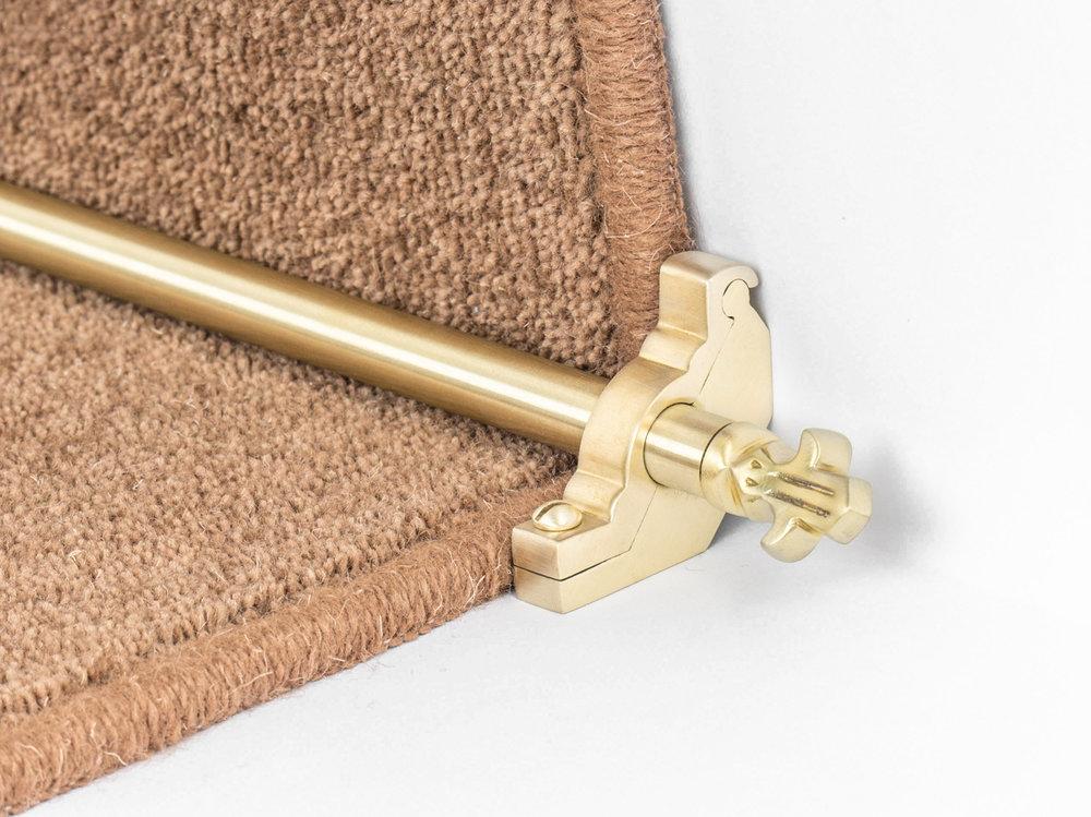 stairrods-satin-brass-bordeaux-plain.jpg