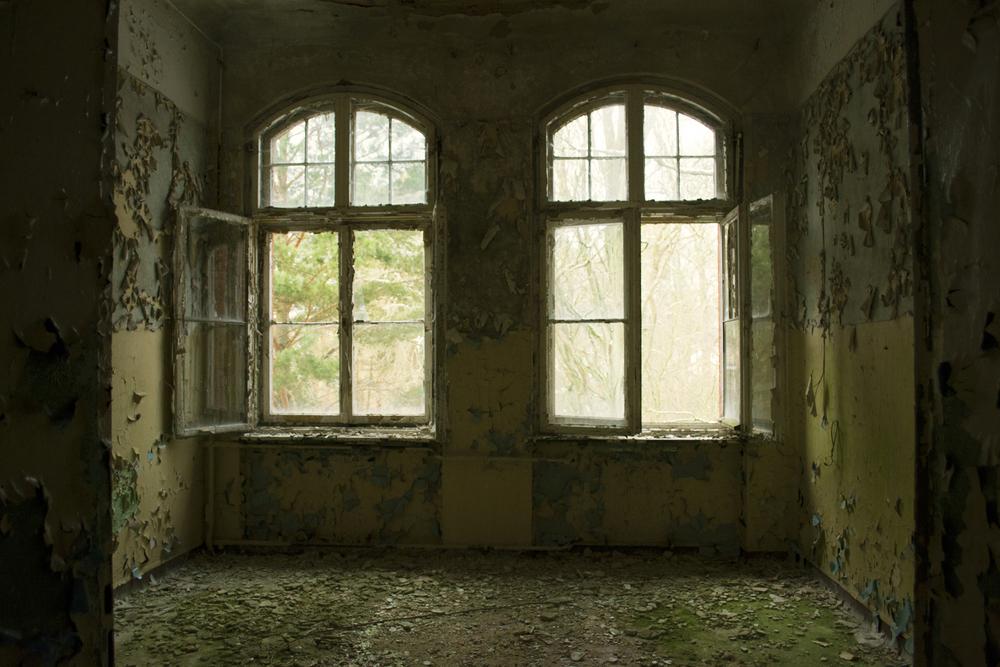 SOVIET HOSPITAL DOUBLE ROOM, DE  2013