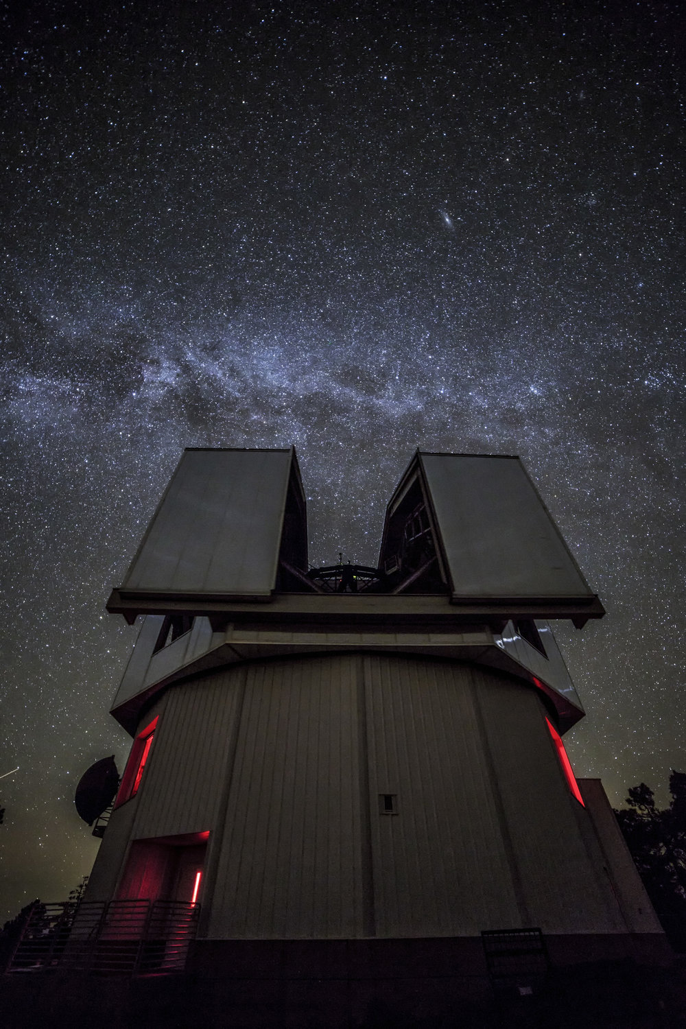 The Discovery Channel Telescope. Image Credit: Michael West