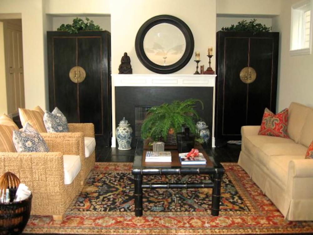 Poinsettia2-Familyroom.jpg