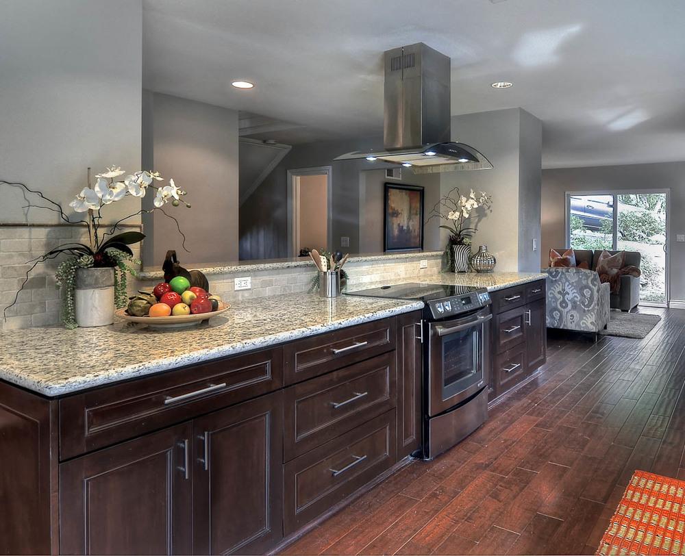 Lakeview1-Kitchen-12-8536406330.jpg