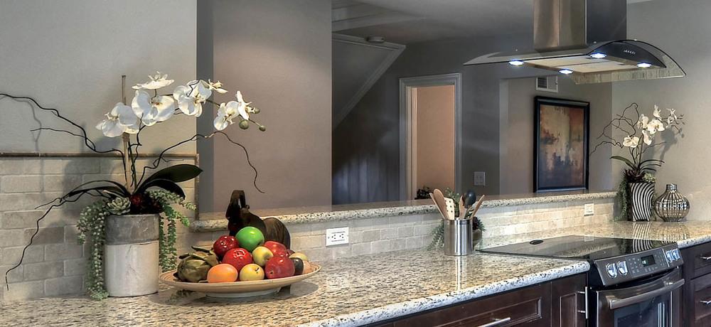 Lakeview1-Kitchen-1x12-8536434444.jpg