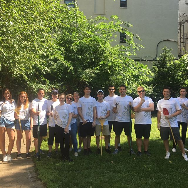 Thanks to the amazing volunteers from @ubs for helping out in the garden at our Leona Blanche House!